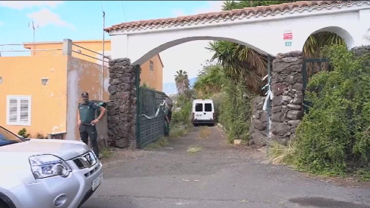 Nuevo registro en la casa del padre de las niñas de Tenerife mientras piden incorporar un sonar y un robot a la búsqueda
