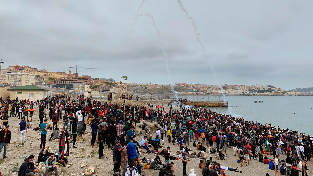 Ceuta recibe en un solo día un número de migrantes equivalente al de cinco meses