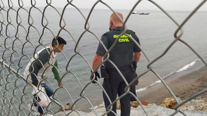 Marlaska confirma que se han devuelto a Marruecos 1.500 personas que entraron ilegalmente