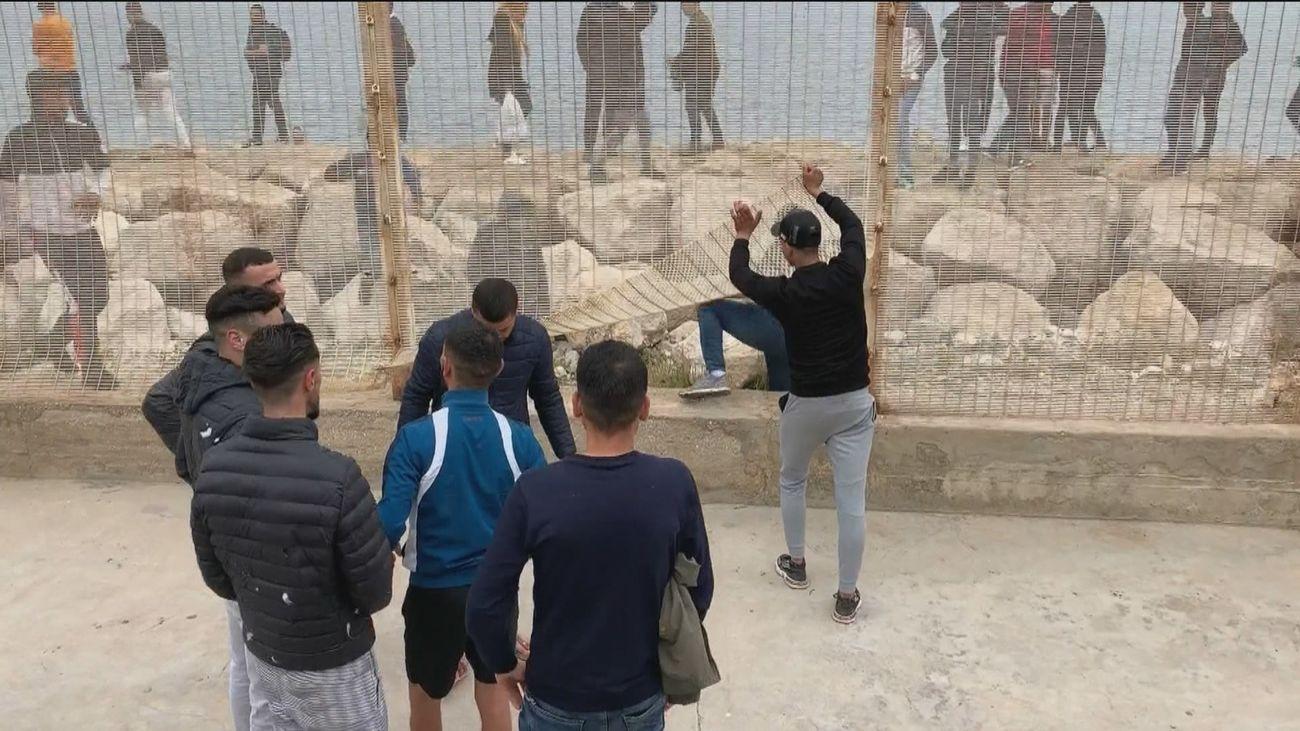 Los vecinos de Ceuta, testigos de los momentos de tensión en la frontera