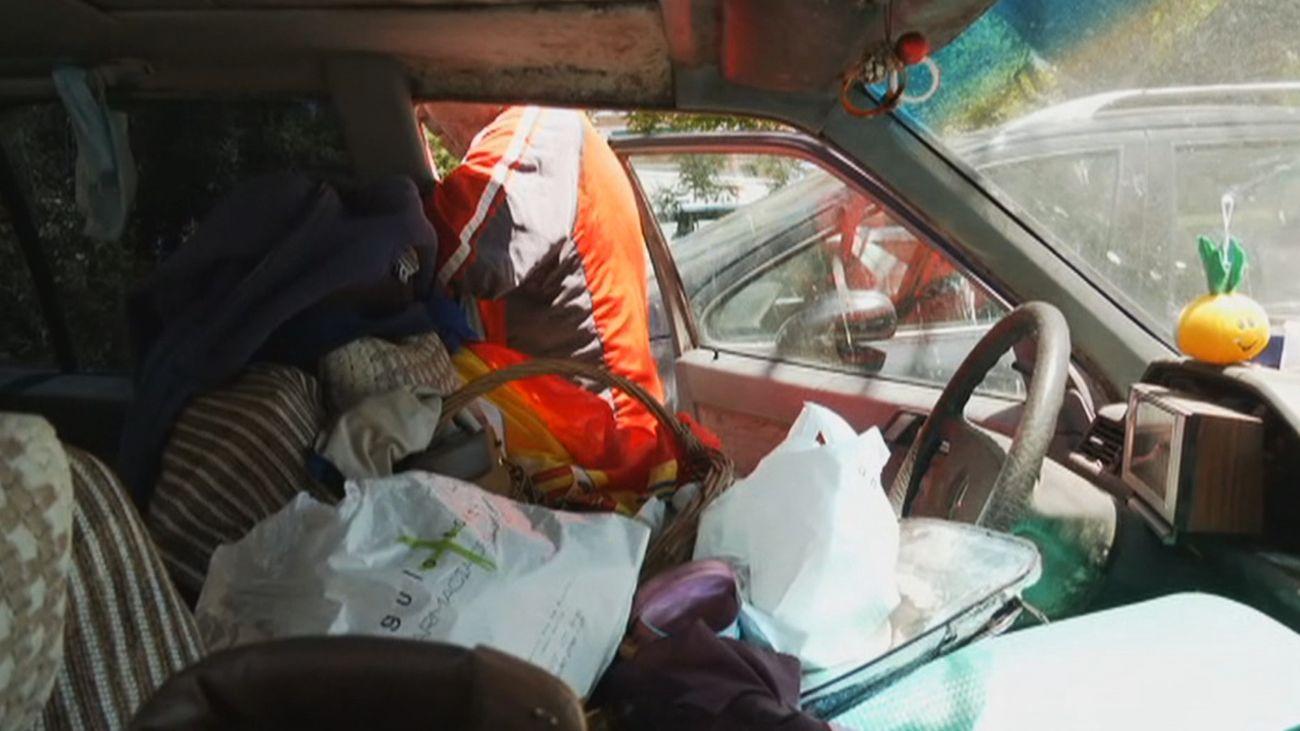 Un hombre de 73 años lleva cinco años viviendo en un coche en Villaverde