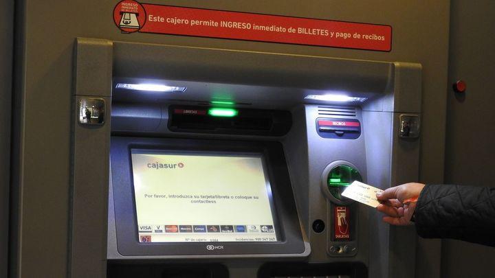 Cuatro detenidos en Alcorcón por asaltar a mayores en cajeros automáticos