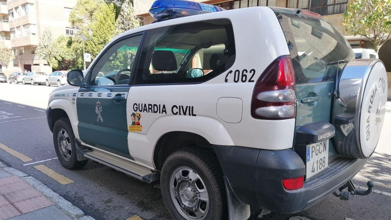 Vehículo de la Guardia Civil de Oviedo