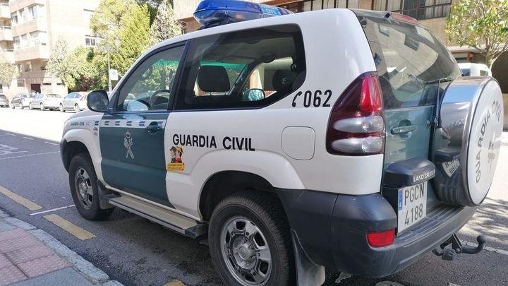 Un hombre se entrega tras matar de un disparo a su mujer en Laviana (Asturias)
