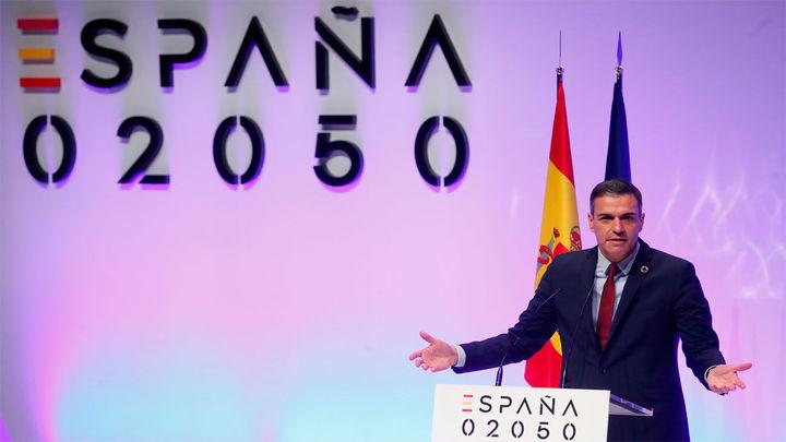 """Sánchez plantea debatir la """"España que queremos"""" en 30 años"""