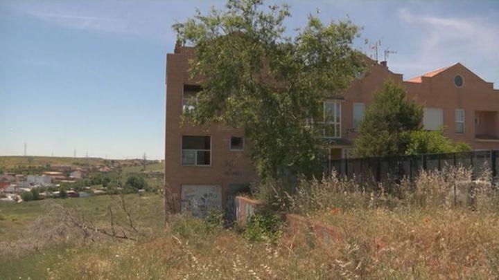 La casa fantasma okupada que atormenta a Coslada
