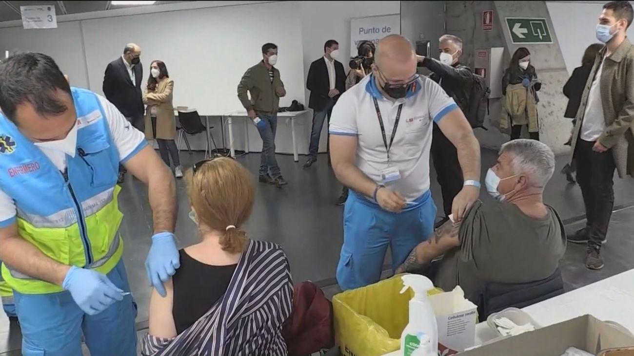 Madrid supera el millón de inmunizados en una jornada con 941 contagios y 5 defunciones por Covid