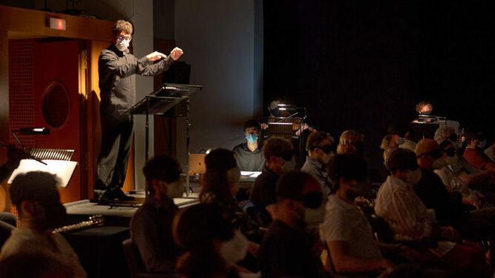 Teatro musical a oscuras, una nueva experiencia sensorial en los Teatros del Canal