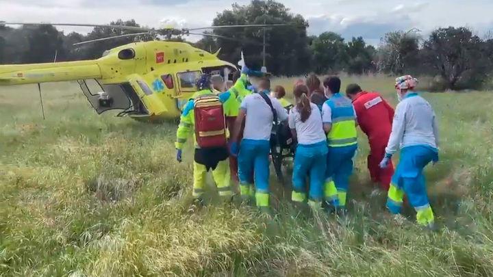 Un motorista muy grave al caerse en la M-528, en Galapagar
