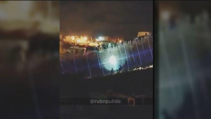 Una treintena de inmigrantes entran en Melilla tras seis intentos de asalto