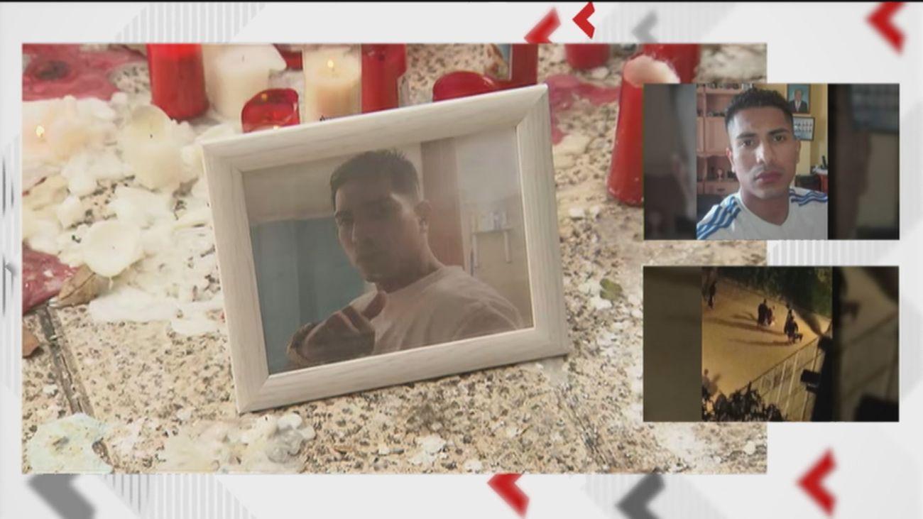 La familia de Darío pide ayuda para identificar a los asesinos de su hijo, apuñalado el lunes en Puente de Vallecas