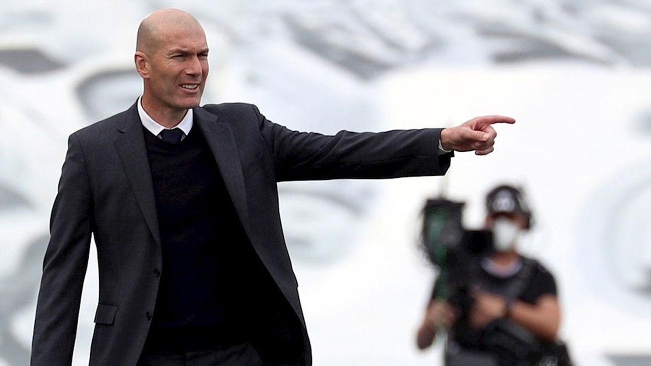 """Zidane no desvela su futuro: """"Voy a hablar con el club tranquilamente"""""""
