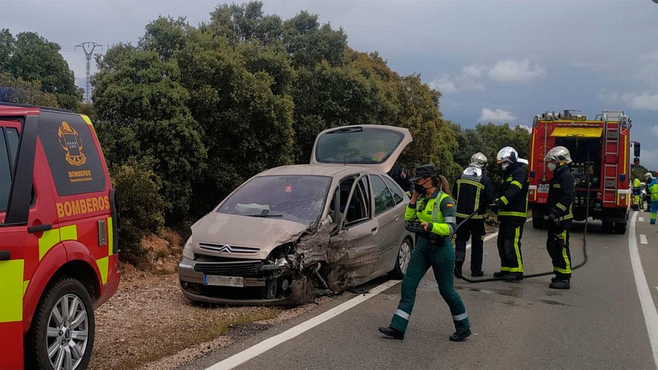 Dos heridos leves en un accidente de tráfico en Santos de la Humosa