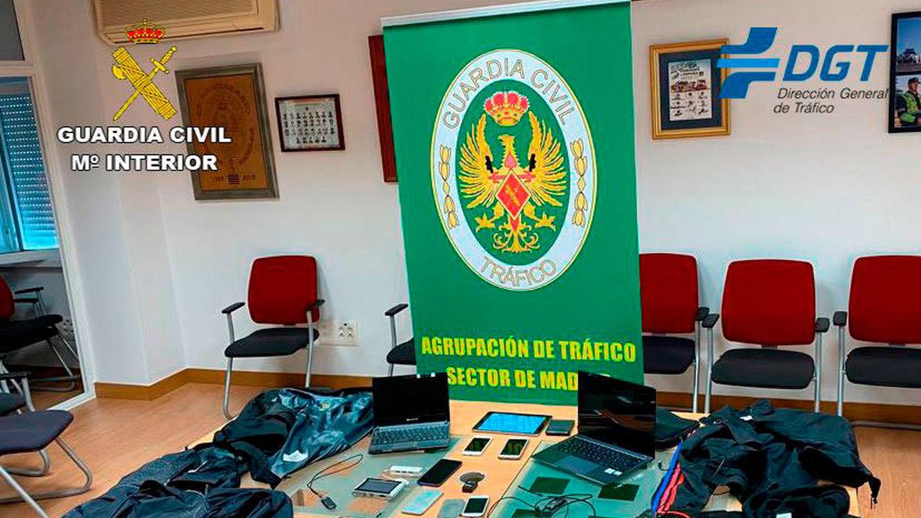 El grupo operaba en la sede del Centro de exámenes de la D.G.T. en Móstoles