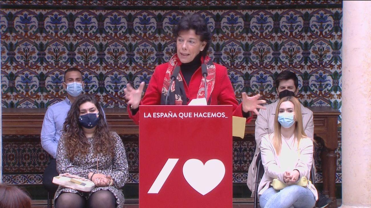 """Isabel Celaá defiende que las leyes educativas en España tienen todas """"sello socialista"""""""