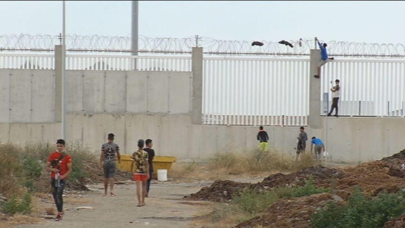 Ceuta recibe centenares de llamadas de familias de Marruecosbuscando a sus hijos