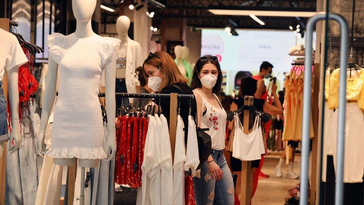 """Los retos del sector textil ante el cambio de hábitos en la compra de ropa: """"Necesitamos recuperar el valor del producto"""""""