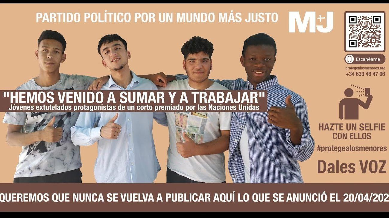 Cartel 'Protege a los menores' de M+J en la estación de Metro de Sol