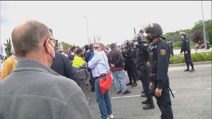 La policía retiene en Ifema a la caravana por el trasvase Tajo-Segura y prohíbe los camiones