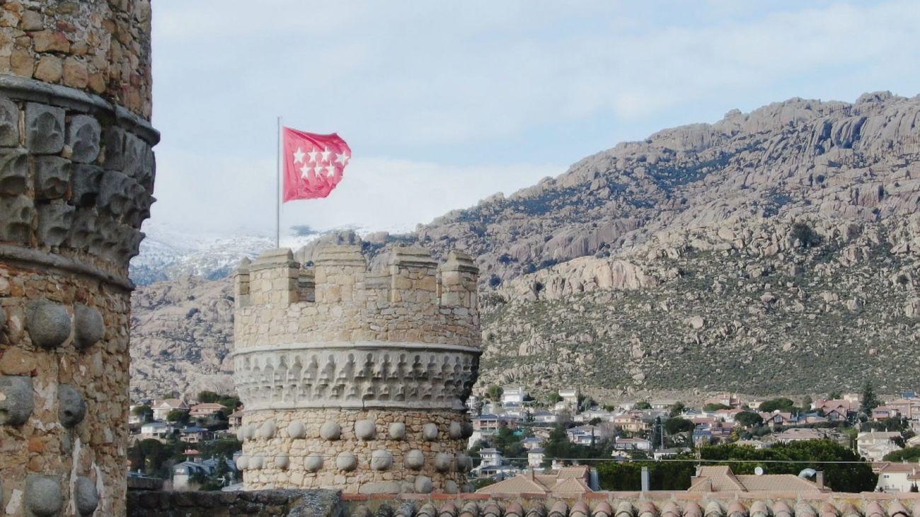 El imponente y palaciego castillo de Manzanares el Real