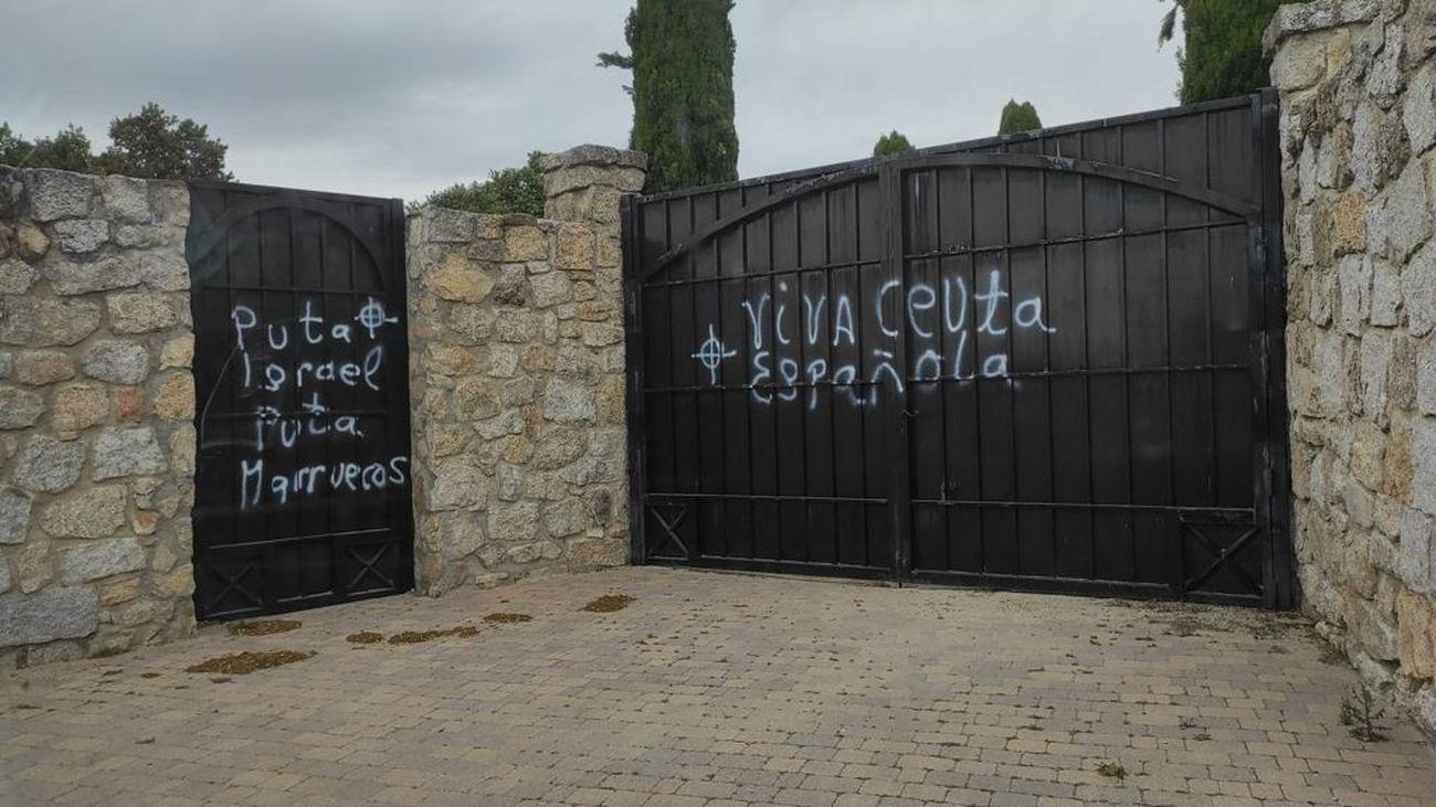 Denuncian pintadas xenófobas en el cementerio judío de Hoyo de Manzanares