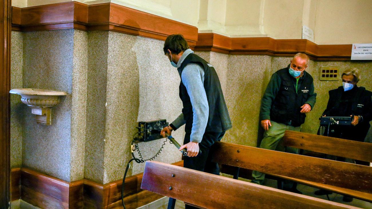 Un equipo de investigadores busca los restos de Calderón de la Barca la Parroquia de Nuestra Señora de los Dolores