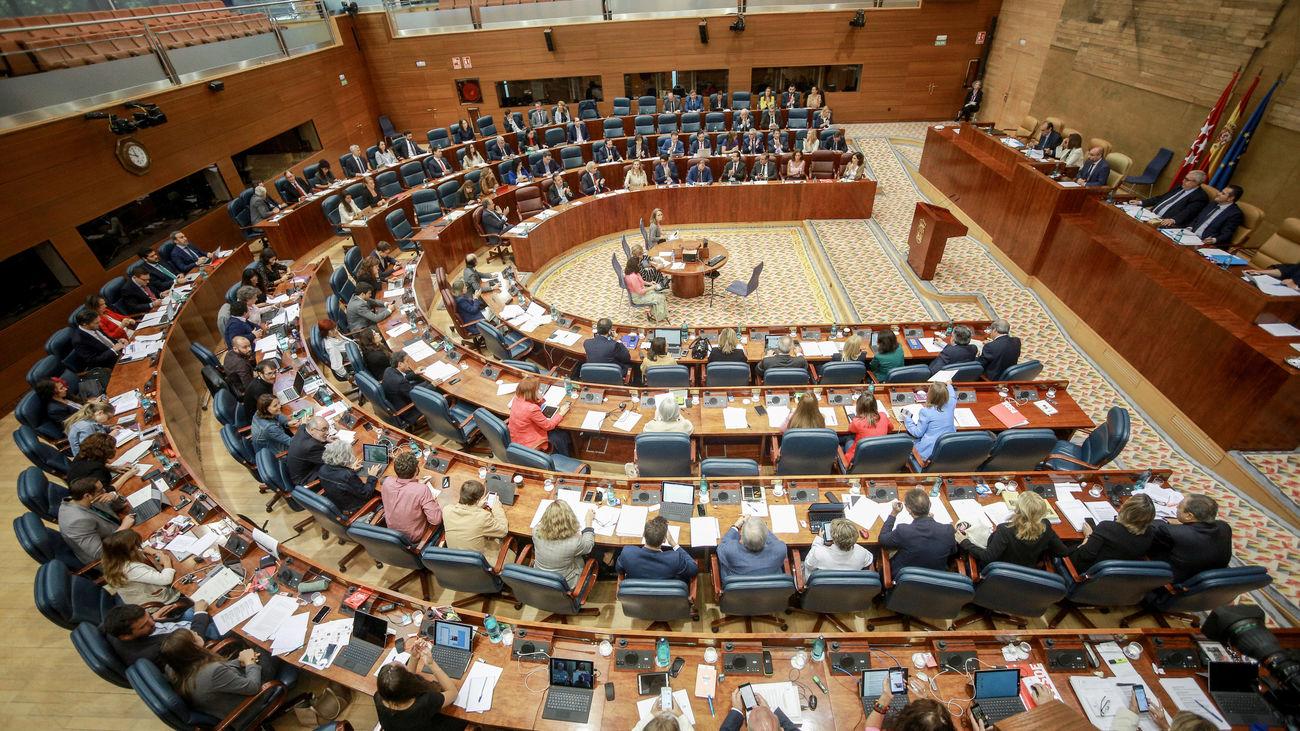 El PP acuerda con Vox una reforma para reducir el número de diputados en la Asamblea de Madrid