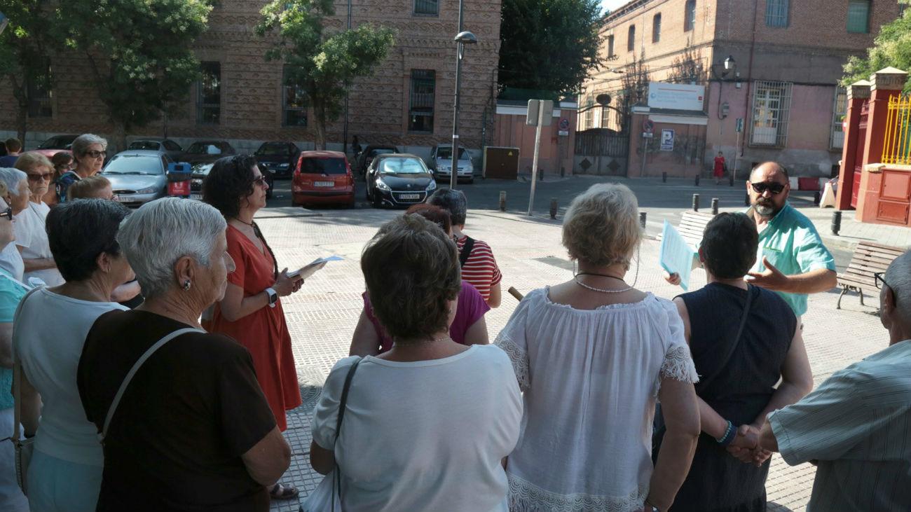 Mayores de Leganés participan en una ruta urbana