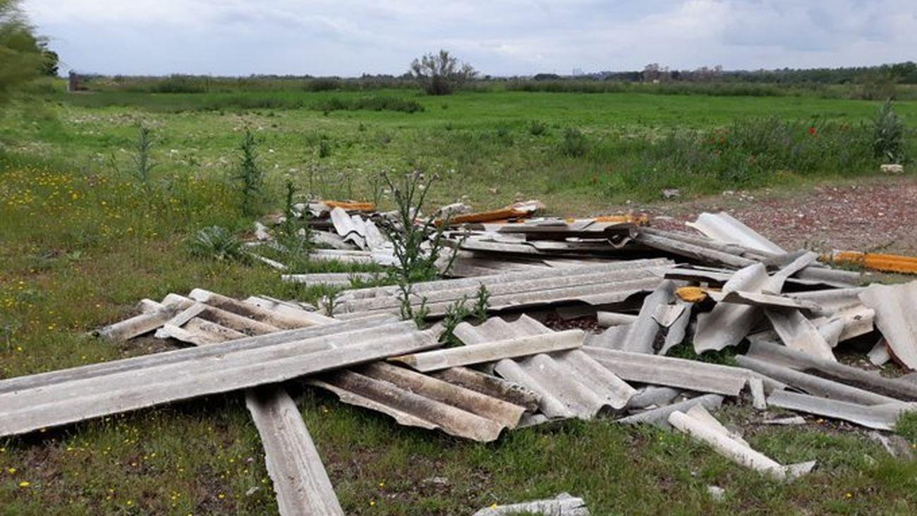 La Policía de Algete investiga un vertido ilegal de materiales de amianto