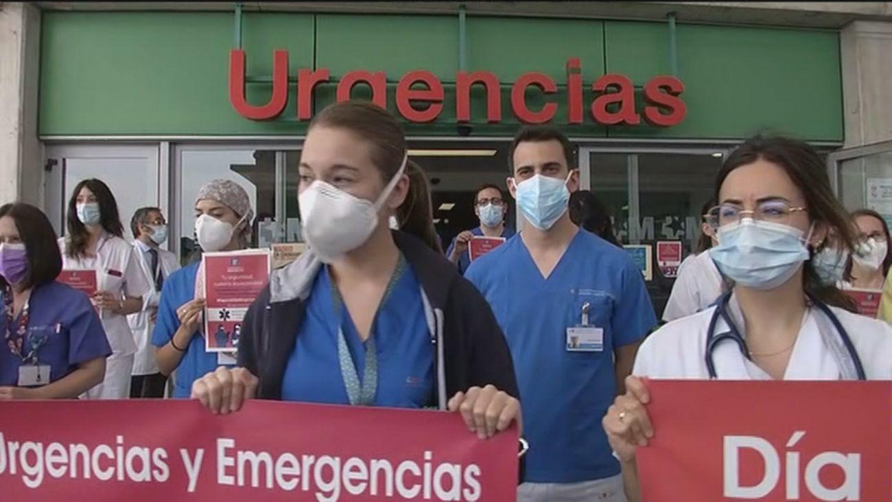 Concentración de los equipos de Urgencias en el Infanta Leonor para que se cree la especialidad en España