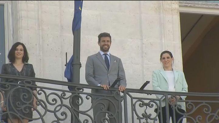 Ayuso y Piqué, juntos en Sol en la presentación de la Copa Davis que se jugará en Madrid