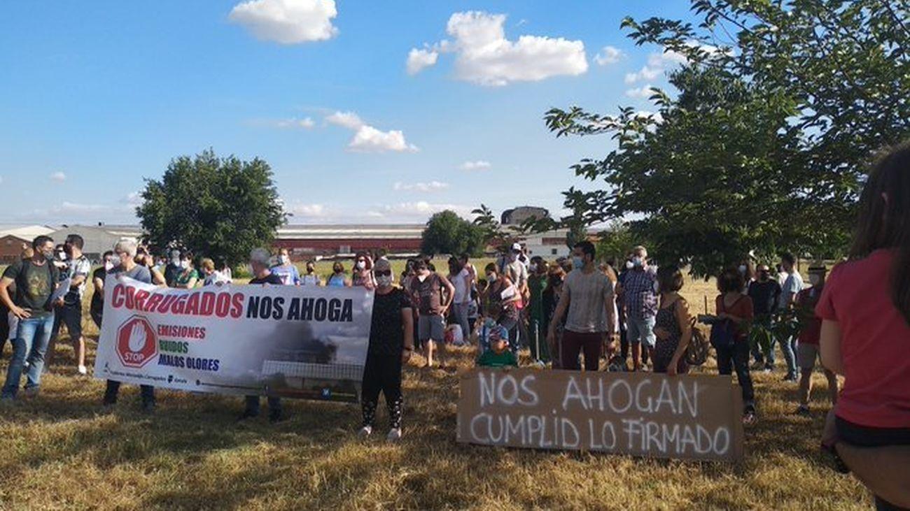 Concentración de vecinos de Getafe este viernes contra la fábrica de Corrugados