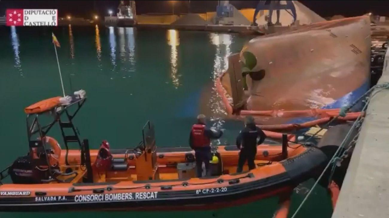 Encuentran muerto a uno de los hombres desaparecidos al volcar un barco en el puerto de Castellón