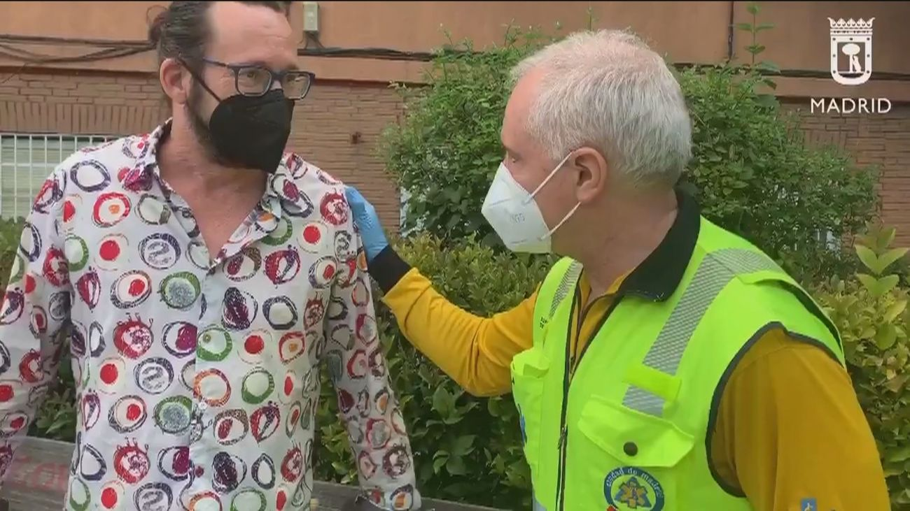 David, el héroe anónimo que salvó la vida de su vecino de Carabanchel con un torniquete