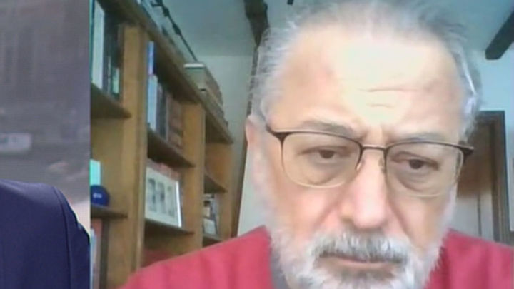 """López Acuña: """"La UE corre demasiado. Es muy prematuro reabrir al público actos masivos como el fútbol"""""""