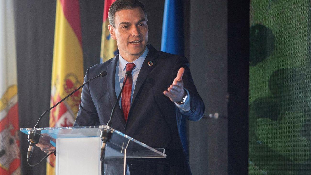 Sánchez defiende en público los indultos