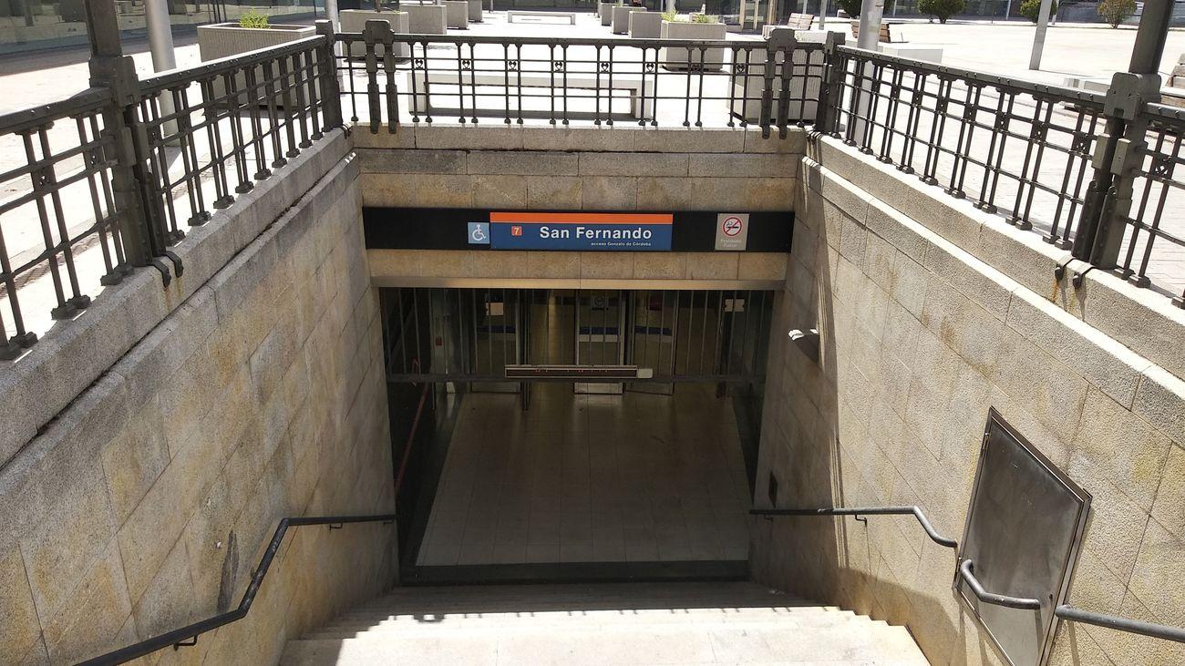 Acceso a la estación de Metro de San Fernando de Henares