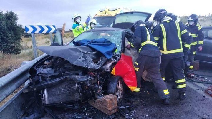 Dos conductores heridos tras  chocar frontalmente en la M-413, en Móstoles