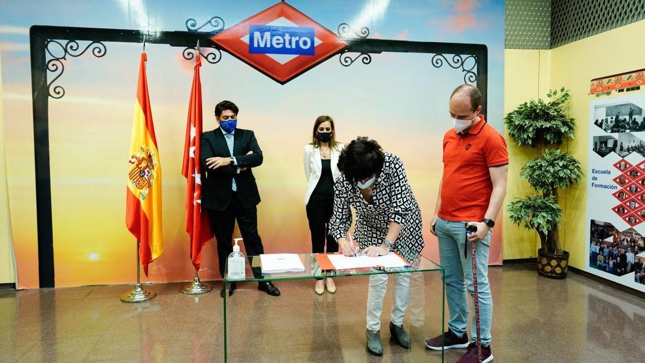 Firma del convenio colectivo de Metro