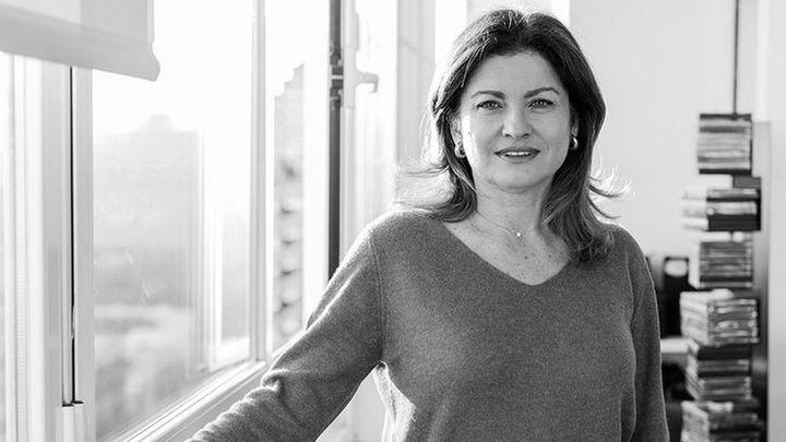 Alicia Aza indaga en la identidad y la memoria en su nuevo poemario 'Al final del paisaje'