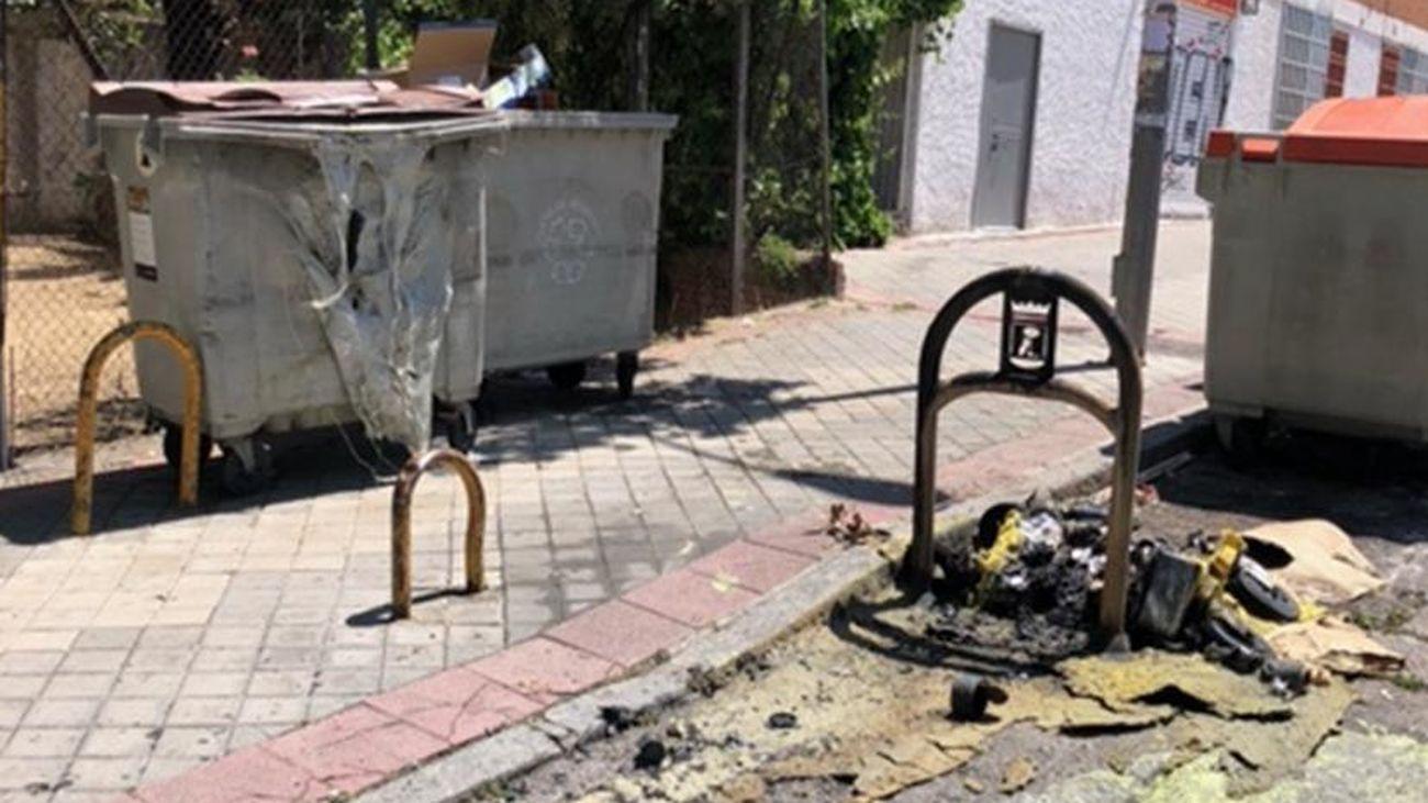 Contenedor quemado en Colonia Jardíon