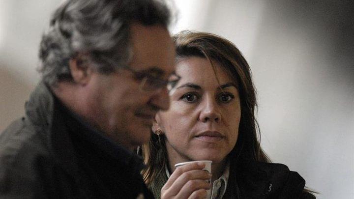 El juez imputa a Cospedal y a su marido por el espionaje a Bárcenas
