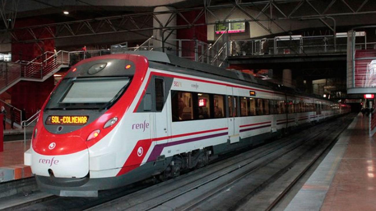 Tren de Cercanías en la estación de Atocha