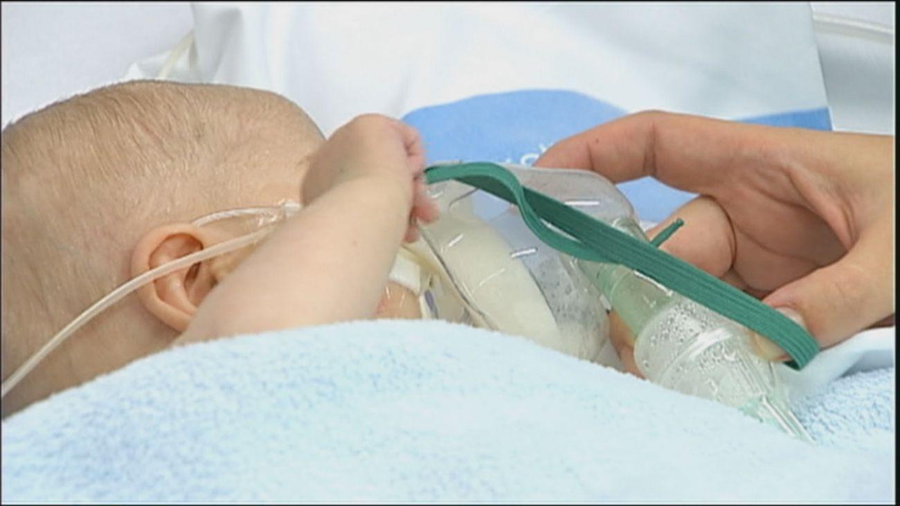 Se dispara la bronquiolitis a las puertas del verano: en Madrid hay más bebés que abuelos ingresados