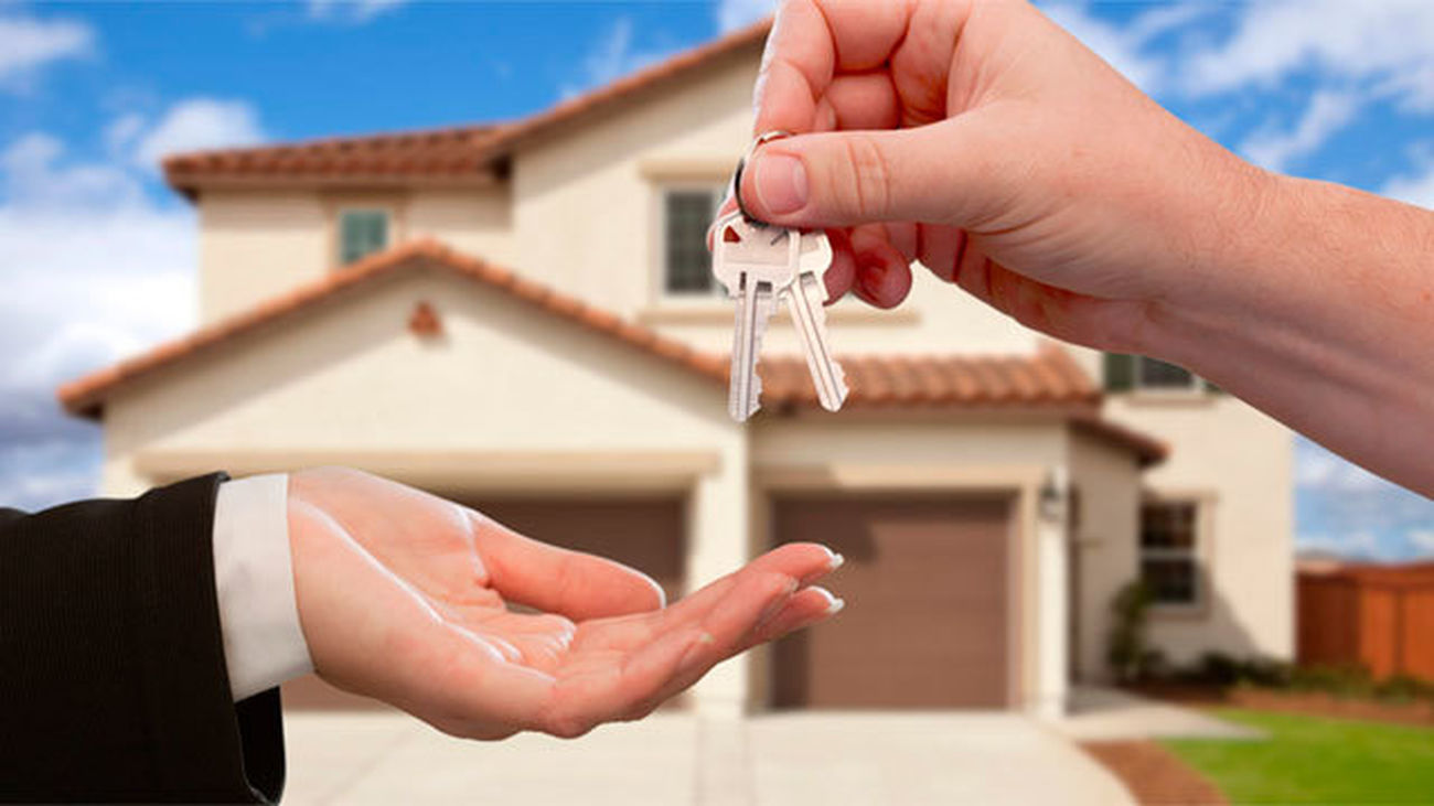 Acto de entrega de las llaves tras la constitución de la hipoteca y su registro