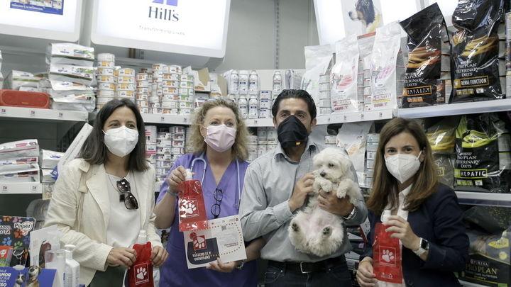 14.000 botellas en San Sebastián de los Reyes para limpiar los orines de los perros