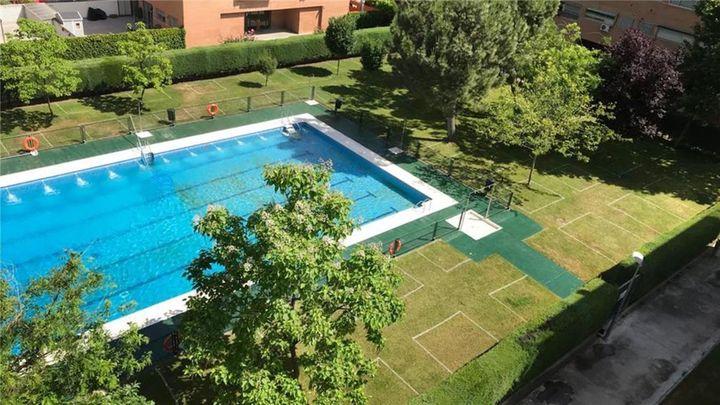 Delimitar la piscina: la solución de estos vecinos para evitar contagios