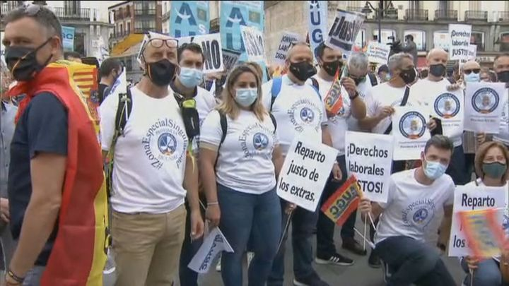"""Guardias civiles se manifiestan en Madrid en protesta por el """"retroceso de sus derechos laborales"""""""