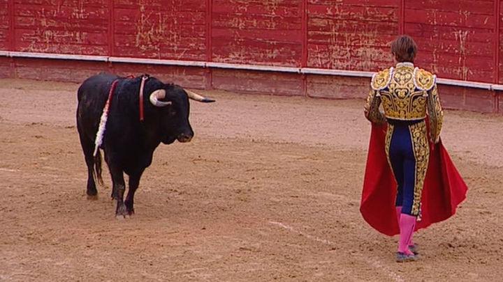 Miguel Aguilar corta cuatro orejas y sale a hombros junto a Curro de la Casa y Víctor Hernández en Trillo (parte 1)