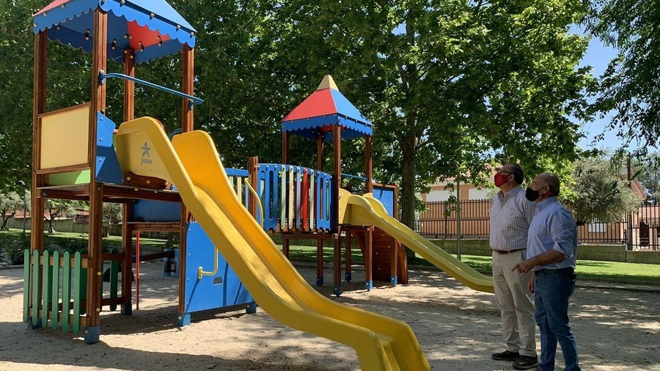 Visita municipal a los nuevos juegos infantiles de Morata de Tajuña